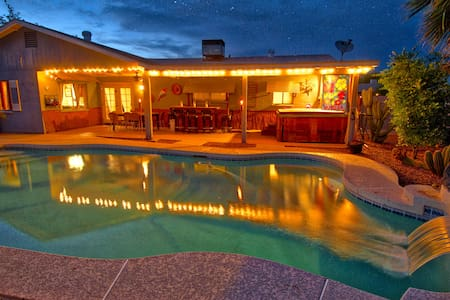 Large house with a pool and Jacuzzi /sleeps 12