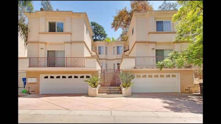 Wonderful Townhouse in Hollywood Hills