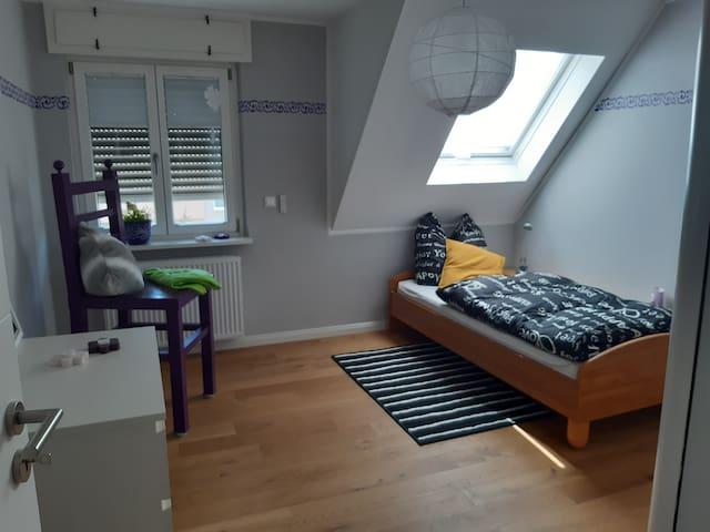 3. Schlafzimmer (Einzelbett)