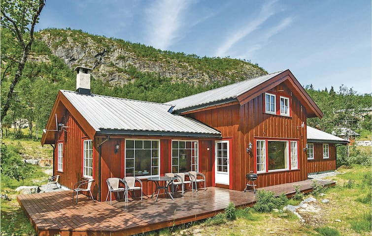 Holiday cottage with 6 bedrooms on 200m² in Hemsedal