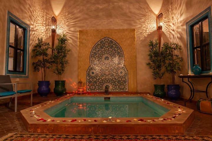 RIAD FARASHA - Beautiful and Quiet Riad with Pool