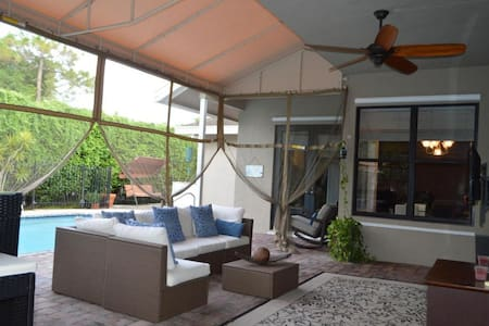 Elegant, spacious house in Wellington, Palm Beach