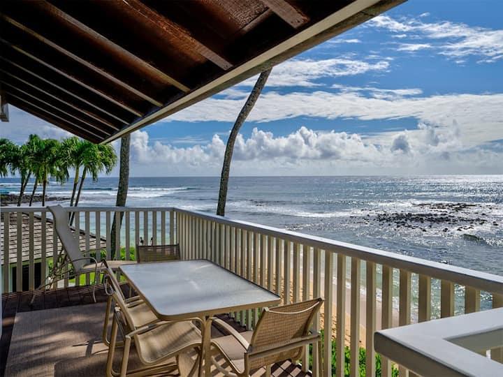 Fit For Royalty! Beachfront w/Open Kitchen, Lanai, WiFi, TV, Ceiling Fans–Kiahuna 2004