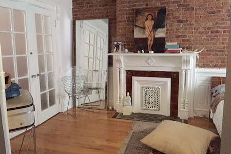 Brown stone apartment with private garden - Brooklyn - Apartment