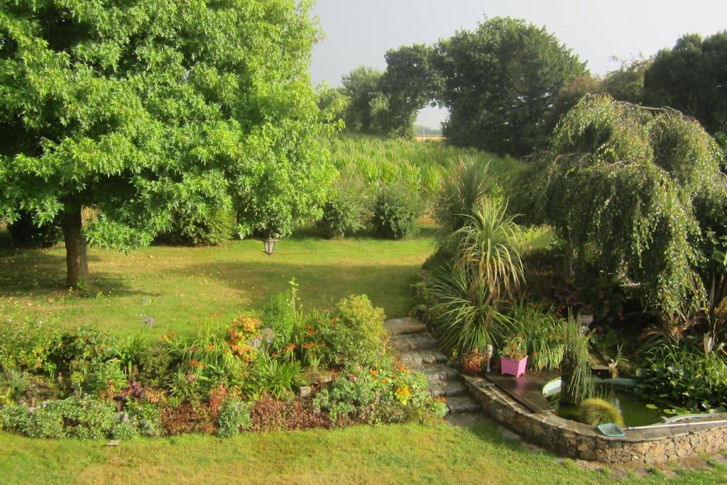 Grande maison de charme tout confort houses for rent in - Maison de jardin avec toboggan saint etienne ...
