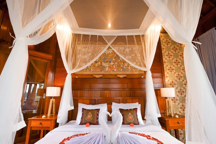 Spacious, airy and stylish boutique room near Ubud