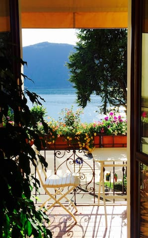 Italian Funky Style home Lake View incl. Breakfast - Campione d'Italia - House