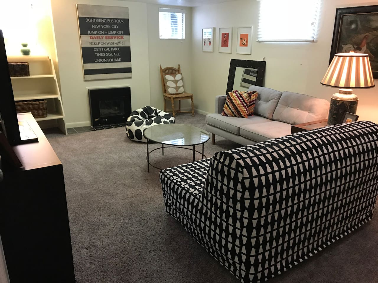 Living room w/working fireplace and queen sofa bed