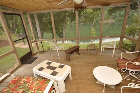 Fairway Villa #201- Rumbling Bald Resort - Lake Lure - วิลล่า