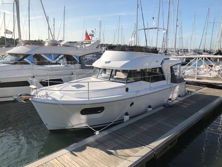 Luxury  New Beneteau Swift Trawler 2019