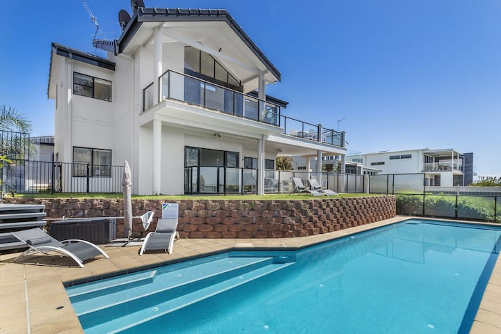 Above and Beyond - Beautiful Home with Pool and Glorious Views