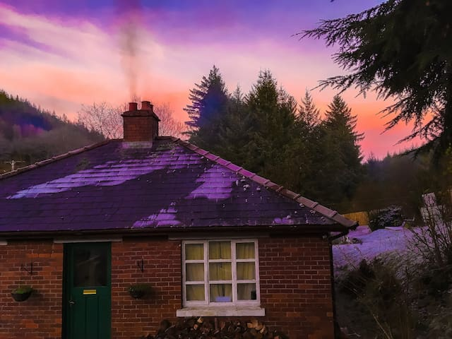 Love Farm - Rustic cottage featured on BBC2 & ITV - Brechfa Forest - Hus