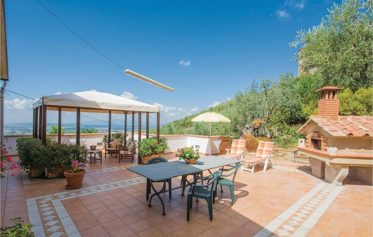 Semi-Detached with 2 bedrooms on 100m² in Lamporecchio PT