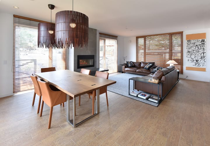 Luxury serviced Chalet: 3 or 4 bedroom, onsen