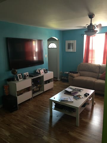 One bedroom in NE Philly - Filadélfia - Casa