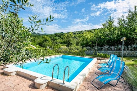 Family-friendly Holiday Home Istria - Roč - Hus