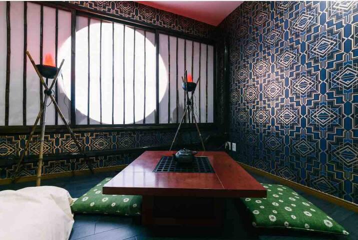 徳川家康Room(個室)禁煙 ダブルベッド1台 シングルベッド1台 最大3名様  Tokugawa Ieyasu Room   (Private room)(Non smoking) 1 double bed 1     single bed Total 3   people stay