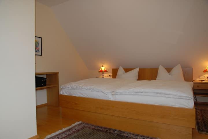 Hotel-Gasthof Grottental, (Meßstetten), Junior-Suite für max. 2 Personen