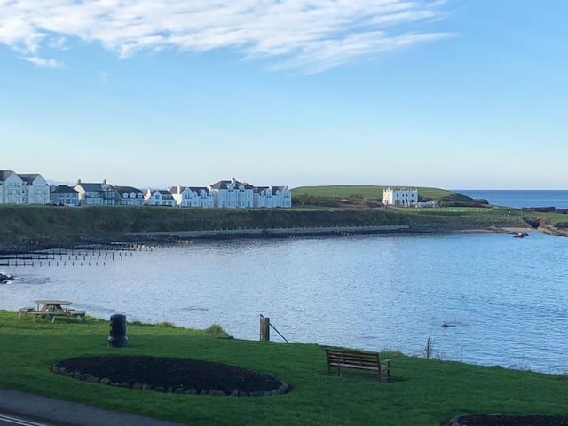 Portballintrae Apartment with Panoramic Sea View
