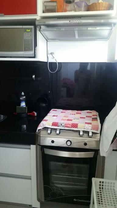 Cozinha - Fogão, Forno Elétrico e micro-ondas