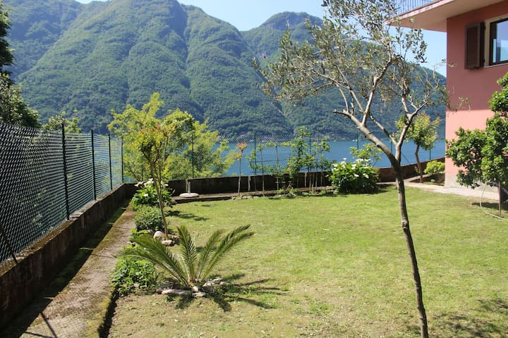 Garden on the lake, casa La Vigna - Nesso - บ้าน