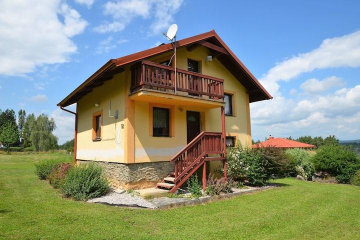 Accogliente casa vacanze a Konstantinovy Lázně con piscina