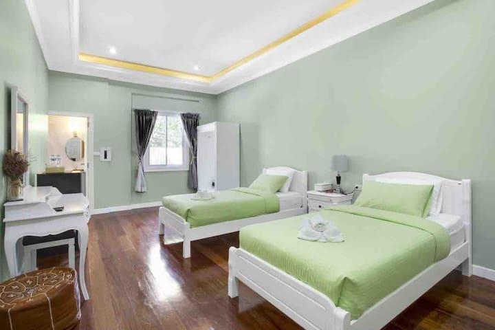 Aquna Hua Hin Resort Superior Room华欣阿库那度假酒店高级房