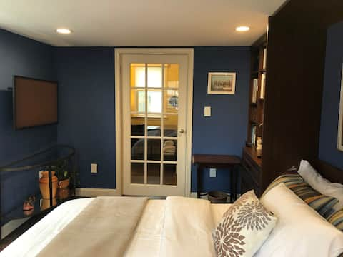 Cozy Homebase in Chevy Chase, Parking, Smart TV!