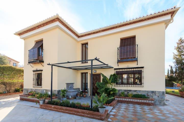 Bonita Casa en Barrio De Monachil.
