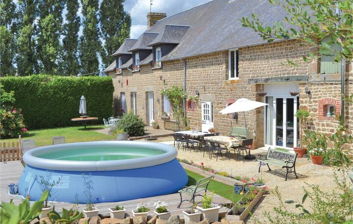 Awesome home in Fougerolles du Plessis with WiFi and 7 Bedrooms