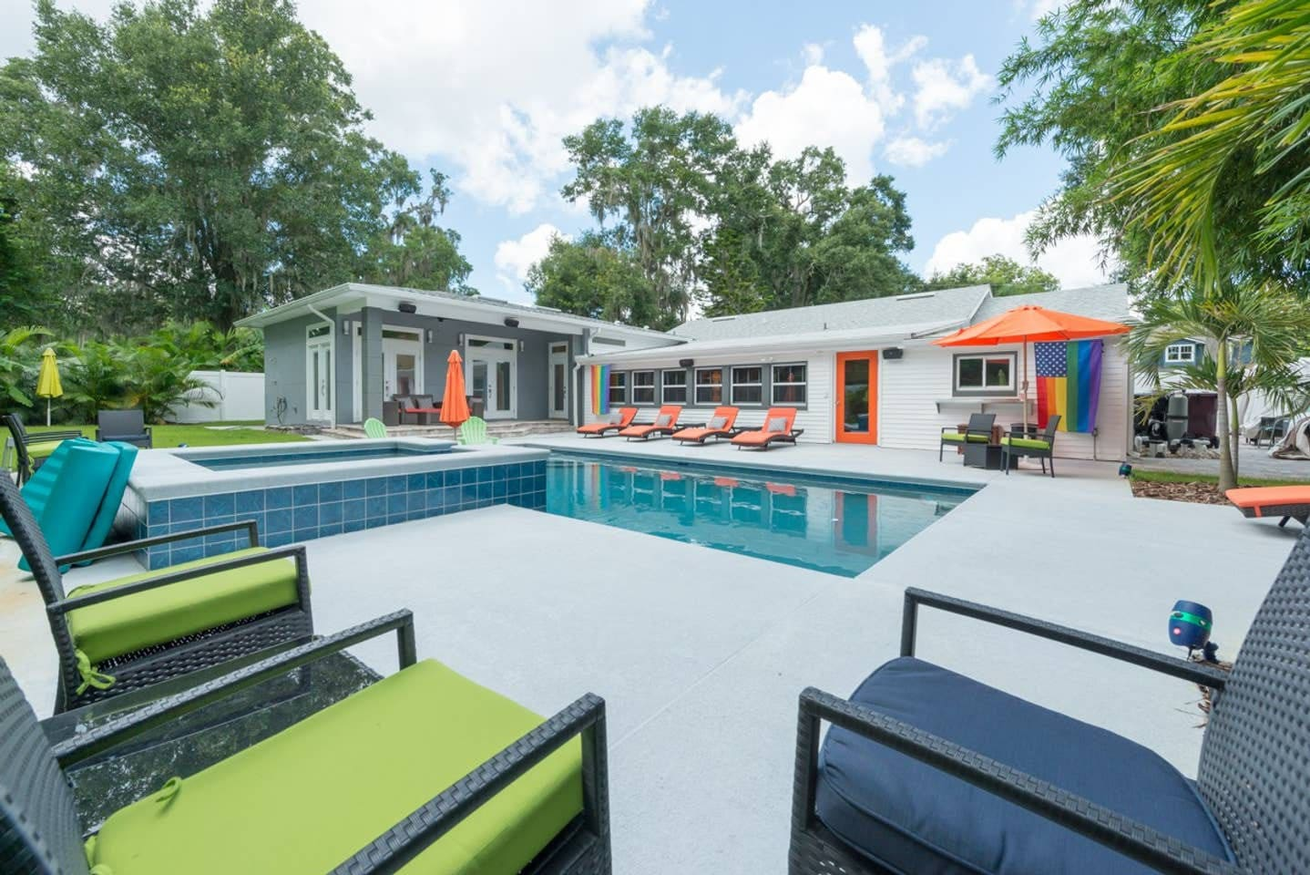 Resort style saltwater pool and jacuzzi. Newly completed! Privacy fence and beautiful palms create an atmosphere perfect for swimming and sunning. The new outdoor speakers complete the space with your favorite music. Pool shared with the home. Enjoy!