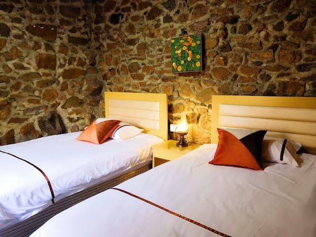 standard room stone