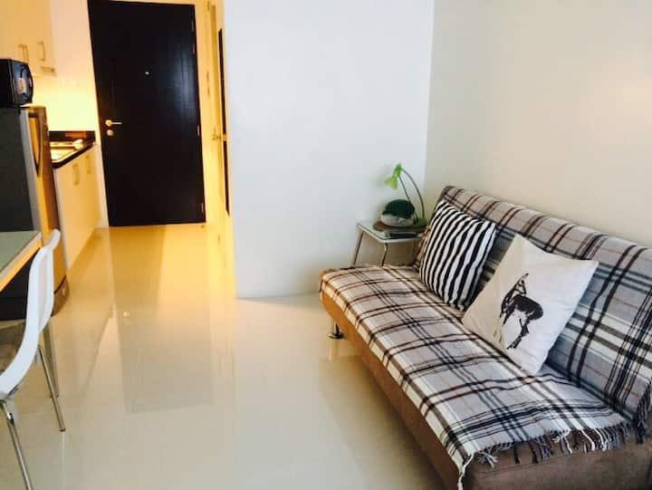 Safe, Clean, & Comfy Apartment in QC, Manila