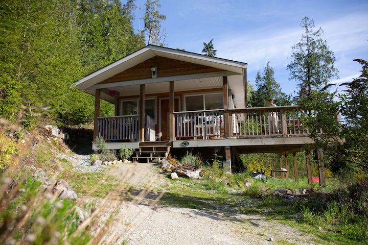 Little Bear Hiking Cabin