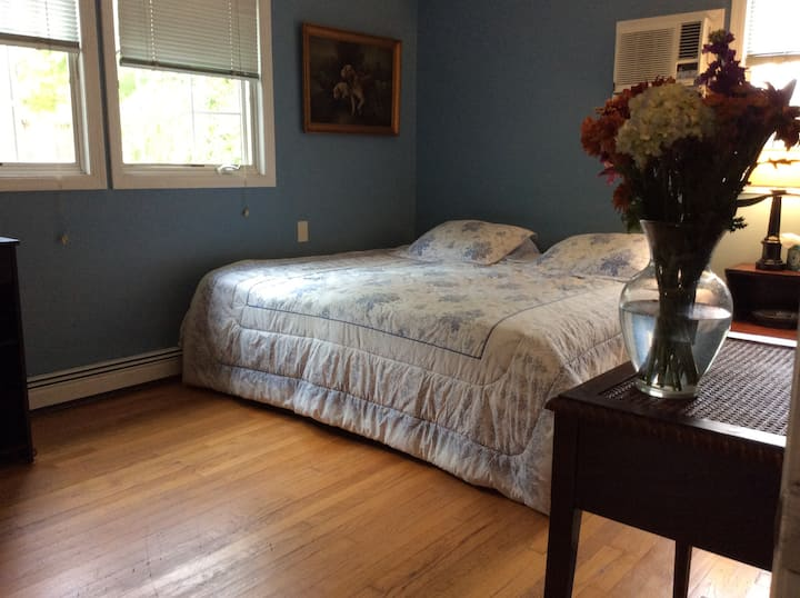 Peaceful Private Room Month to Month in Northport