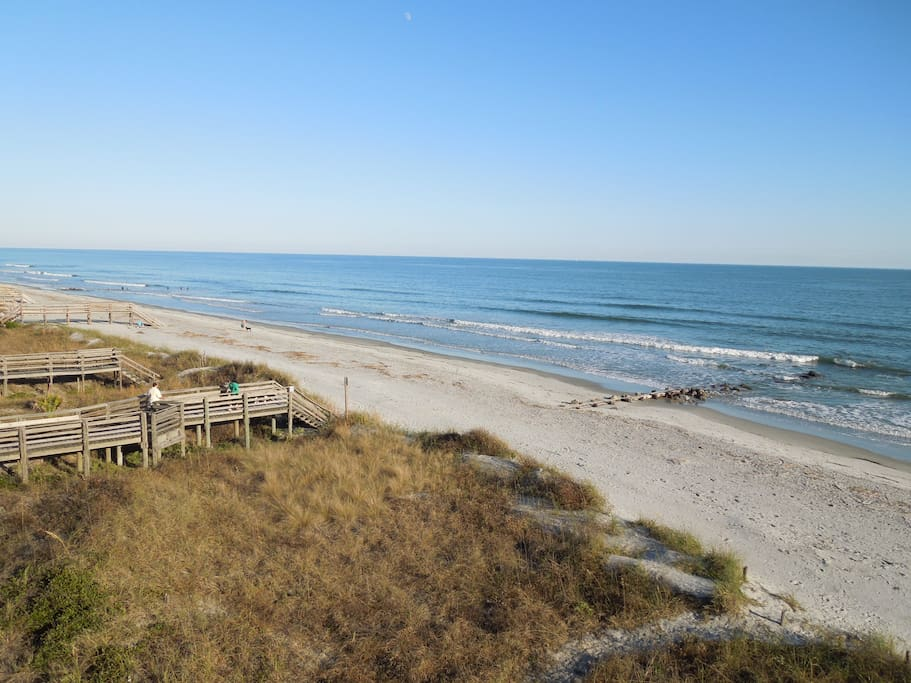 charisma by the sea elegant beachfront home houses for rent in folly beach south carolina. Black Bedroom Furniture Sets. Home Design Ideas