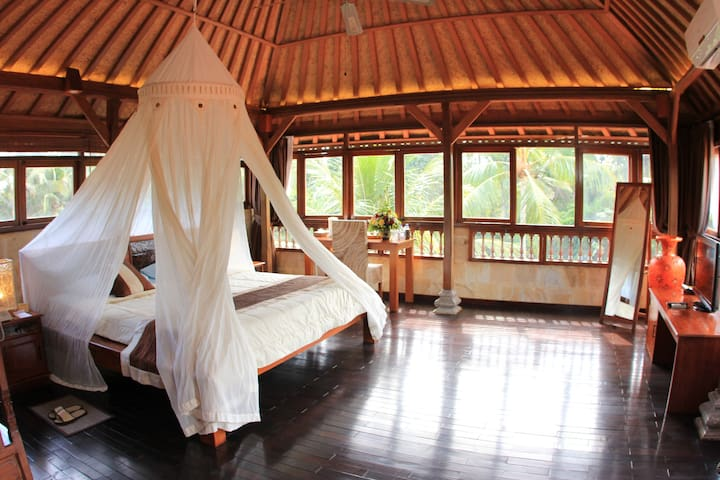 Honeymoon in quiet area near rice fields & river! - Gianyar - Villa