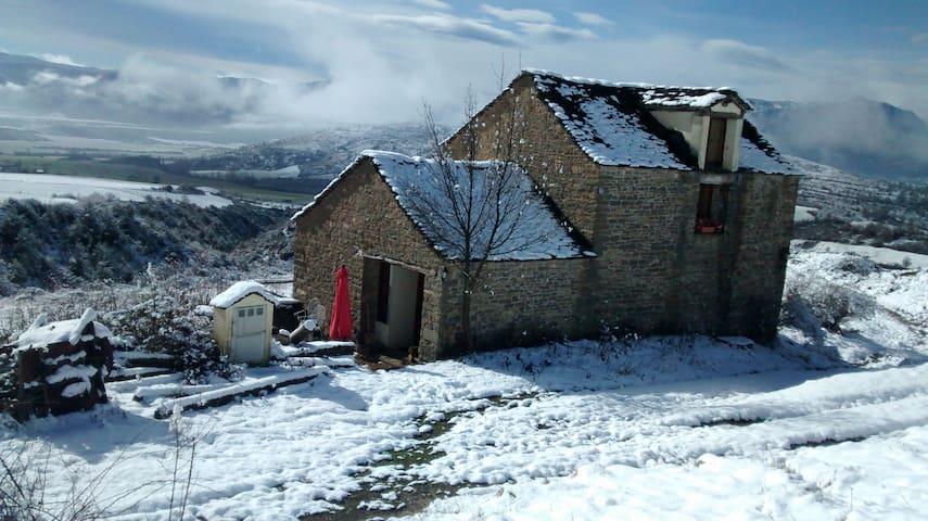 casa rural en el pireneo aragones - Araguás del Solano - Ev