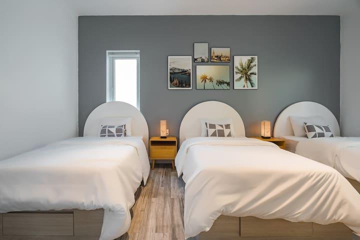 Triple room/ Bright +Good Deal/Central Ha Long