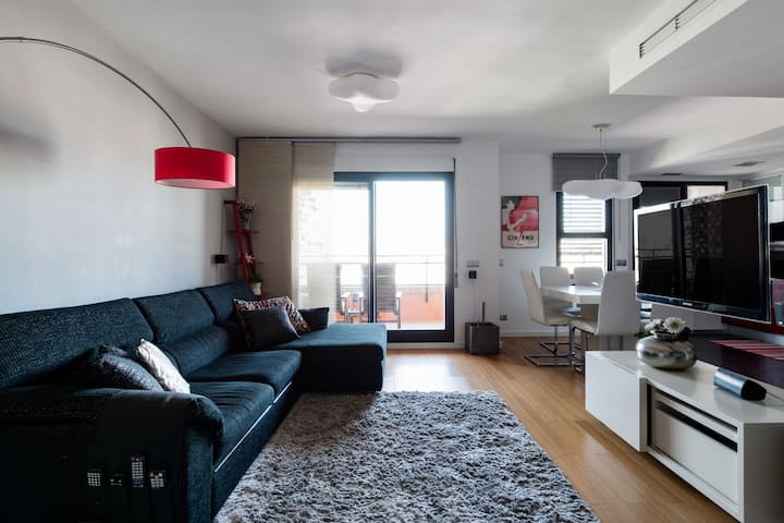 Family-Friendly Duplex Penthouse w/ swimming pool