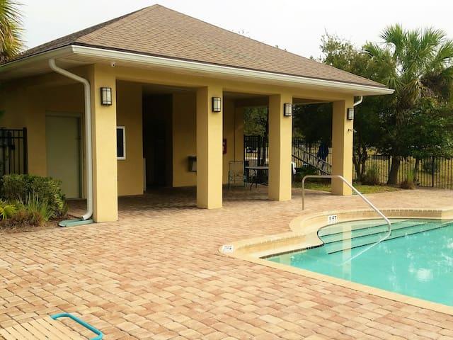 Jacksonville, Where Florida Starts - Jacksonville - Condominium