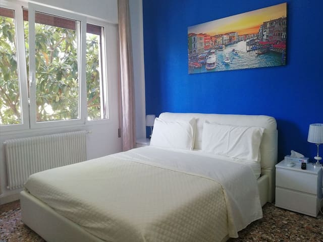 Romantic Blue King Room