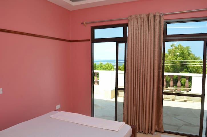 Diani spacious rooms with sea view balcony