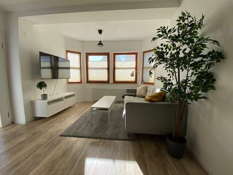 Modernes Wohlfühl-Apartment | 24hCheck-In | Balkon