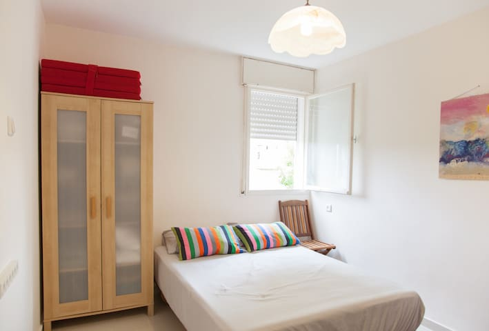 Sweet Private Room near Technion - haifa - Bed & Breakfast