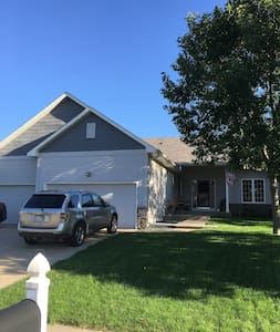 Ryder Cup Home Away From Home Getaway! - Shakopee - Casa