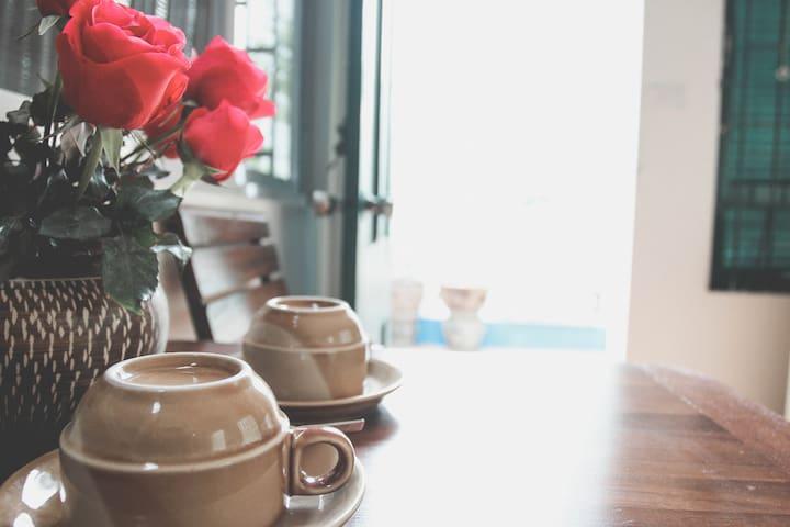 MAI Homestay | Single room (West Lakeside)