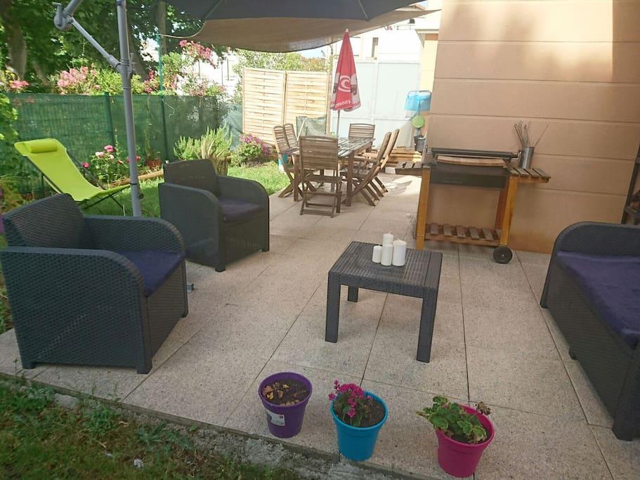 Une chambre privatif avec un petit coin jardin for Location appartement avec petit jardin