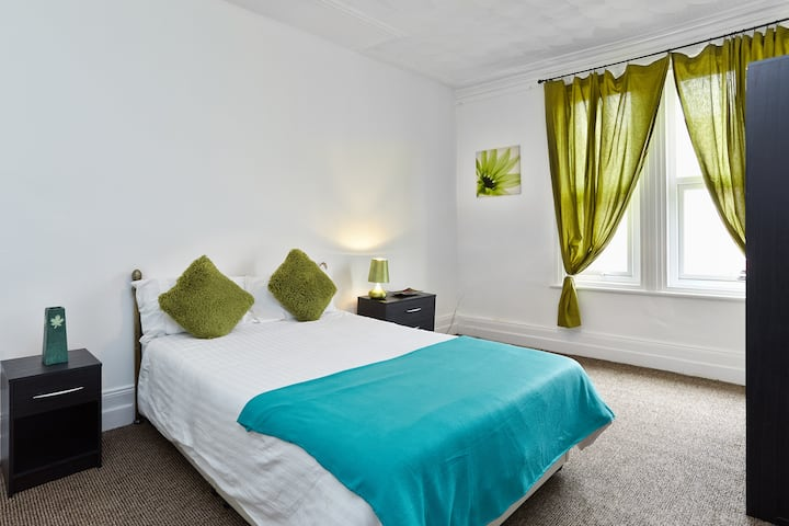 4Executive Business Room-Derby-Home Away From Home