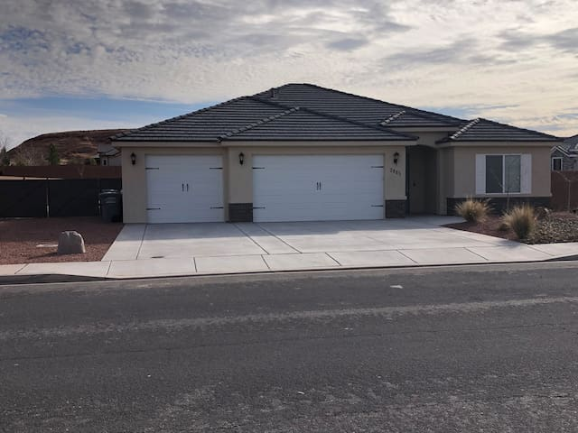 The Getaway at Sand Hollow $2,201 month
